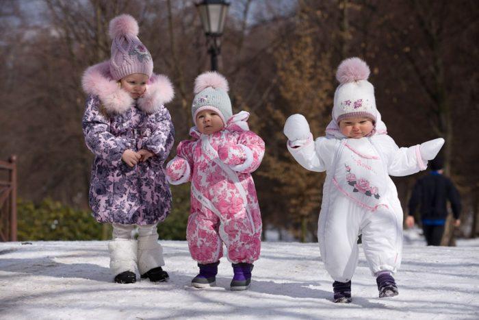 самые красивые и модные зимние комбинезоны для девочек зима 2018, тенденции и тренды на фото 5