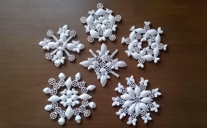 Снежинки из макарон своими руками мастер класс