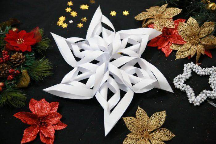 объемная 3D снежинка из бумаги своими руками