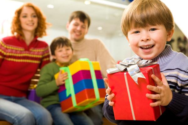 что подарить мальчику на Новый год 2018